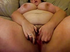 BBW does her vibe