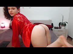 Busty in red shows off her big ass live at 1hottie