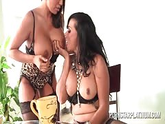 MILF Ava Devine plays with Shemale Vaniity