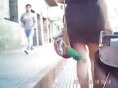 Bajo la falda