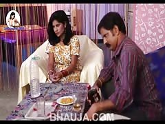 Hot Bhabhi Ki Pyas Bujhadi most sexiest video of romance -- bhauja.com
