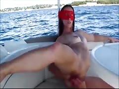 je me fistt sur un bateau