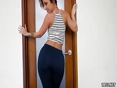 Jada Stevens Brings Her Big Ass To Fuck