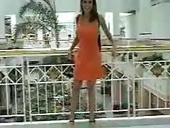 exhibitonist002 mall flash