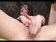 FISTING AND DP FOR MOM IN GLASSES AND PUMPS