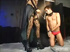 Sexy tgirl loves using her feet