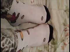 Angela moves her sexy (size 39) feet (part 2)
